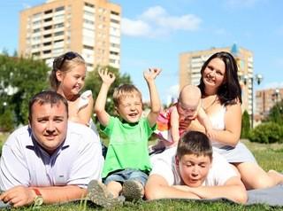 Вступил в силу закон о выплате многодетным семьям 450 тысяч рублей на ипотеку