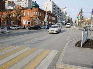 Километр Красного проспекта покрыли износоустойчивым асфальтом