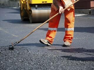 В Омской области ищут подрядчиков на ремонт региональных дорог