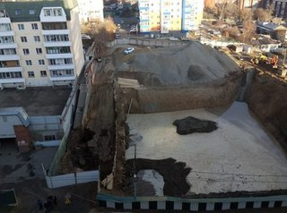В Иркутске прорвало трубу на площадке строительства многоэтажки