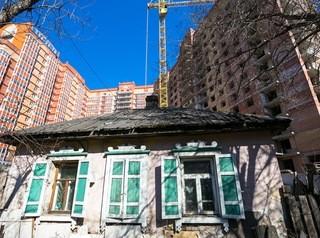 Около 7 тысяч жителей аварийных домов в Новосибирской области расселят до 2024 года