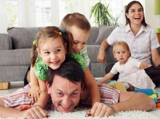 Больше многодетных семей смогут получить 450 тысяч рублей на погашение ипотеки