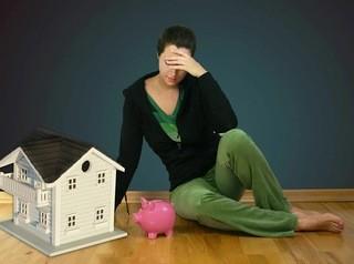 Банки отказывают в «ипотечных каникулах» 80% заемщиков
