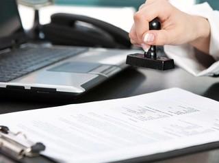 Нотариусы получат право удостоверять сделки дистанционно