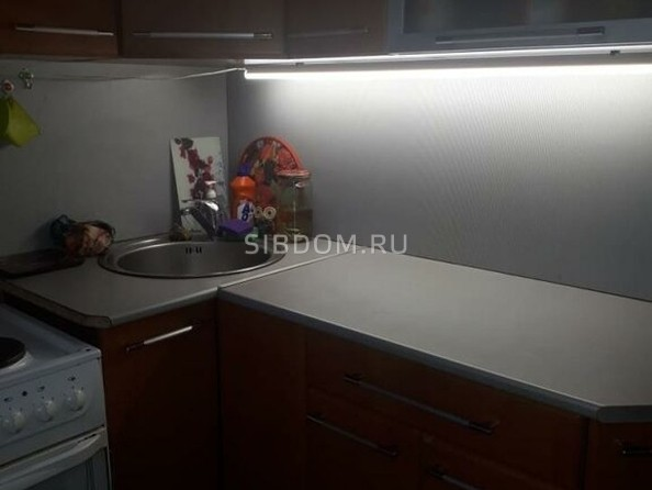 Продам 3-комнатную, 50 м², Владимира Ленина ул, 242. Фото 3.