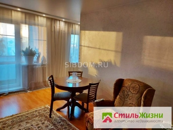 Продам 3-комнатную, 56 м², Союза Республик ул, 30. Фото 1.