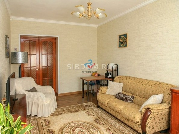 Продам 2-комнатную, 53 м², Ленина пр-кт, 49. Фото 3.