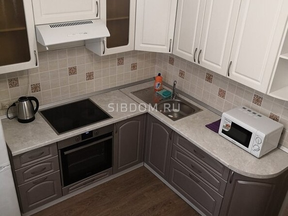 Сдам посуточно в аренду 1-комнатную квартиру, 35 м², Барнаул. Фото 5.