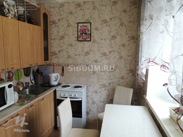 Продам 2-комнатную, 44.5 м², Комсомольский пр-кт, 126. Фото 1.