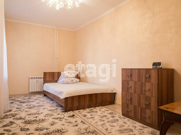 Продам 2-комнатную, 59.7 м2, Юрина ул, 241А. Фото 5.