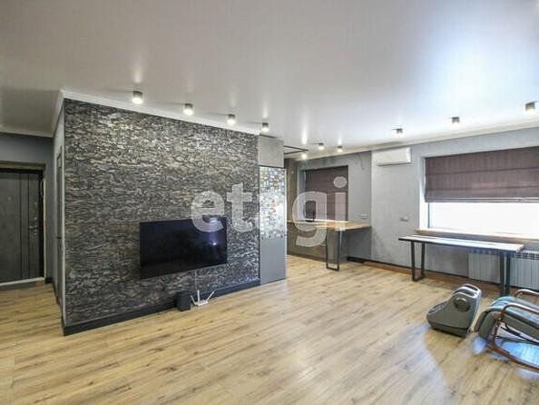 Продам 2-комнатную, 60 м2, Змеиногорский тракт, 104П. Фото 1.
