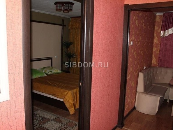 Сдам посуточно в аренду 1-комнатную квартиру, 34 м², Барнаул. Фото 5.