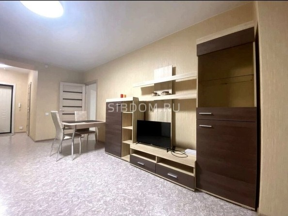 Сдам посуточно в аренду 2-комнатную квартиру, 65 м², Барнаул. Фото 3.