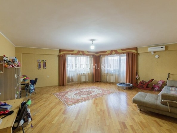 Продам 3-комнатную, 139 м2, Бабушкина ул, 13А. Фото 2.