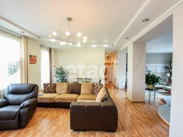 Продам 3-комнатную, 121.8 м2, Комсомольская ул, 21. Фото 1.