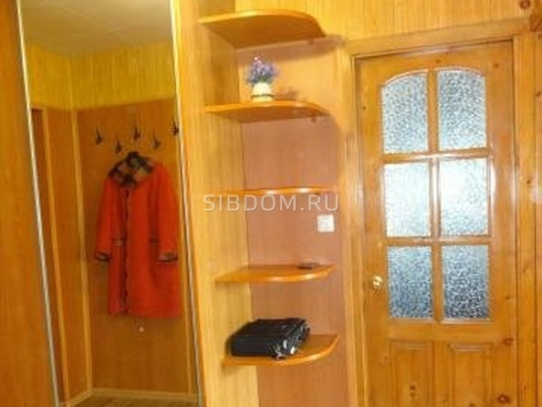 Продам 4-комнатную, 77 м², Комарова ул, 21. Фото 3.