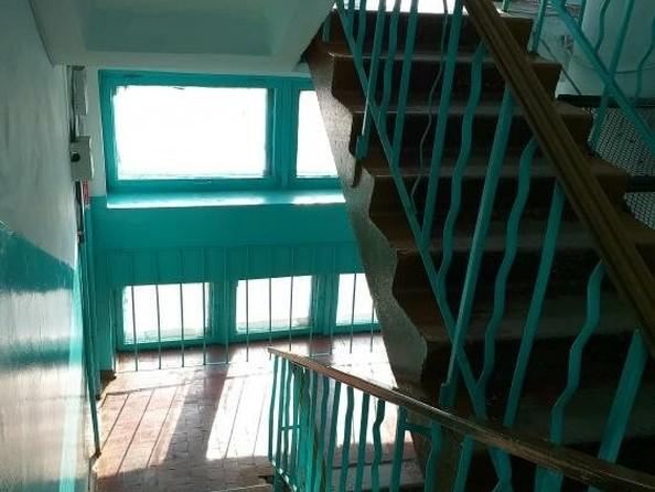 Продам 3-комнатную, 65 м2, Борсоева ул, 73. Фото 5.