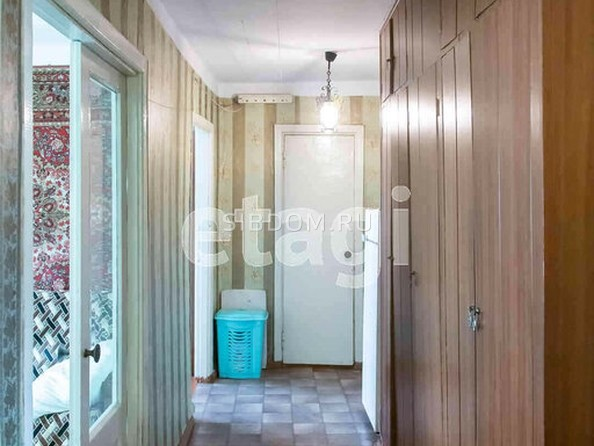 Продам 3-комнатную, 63.8 м2, Камова ул, 19. Фото 1.