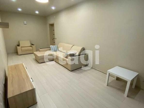 Продам 2-комнатную, 58 м², Ключевская ул, 6Д. Фото 2.