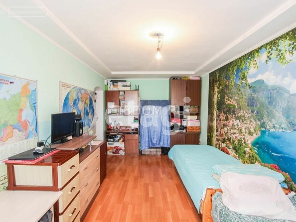 Продам 2-комнатную, 46.7 м2, Комарова ул, 21. Фото 3.