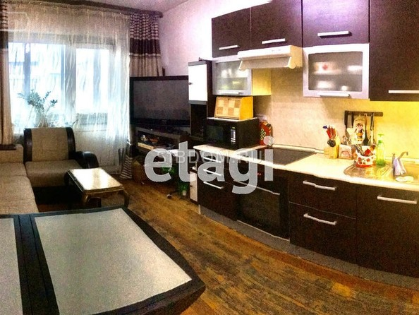 Продам 2-комнатную, 70 м², Бабушкина ул, 13А. Фото 1.