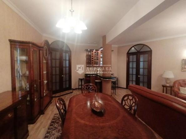 Продам 4-комнатную, 129.7 м², Весенняя ул, 15. Фото 2.