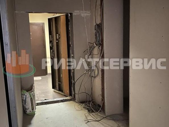 Продам 4-комнатную, 145 м2, Строителей б-р, 53а. Фото 17.