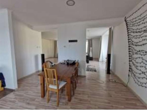Продам 3-комнатную, 186 м², Октябрьская ул. Фото 12.