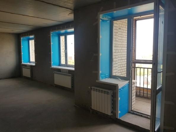Продам 2-комнатную, 60.9 м², Северная 3-я ул, 123. Фото 6.