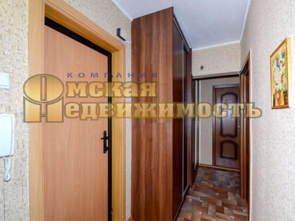 Продам 2-комнатную, 53 м², Лукашевича ул, 2в. Фото 3.