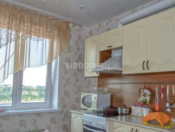 Продам 4-комнатную, 72 м², Сибирская ул, 102. Фото 9.